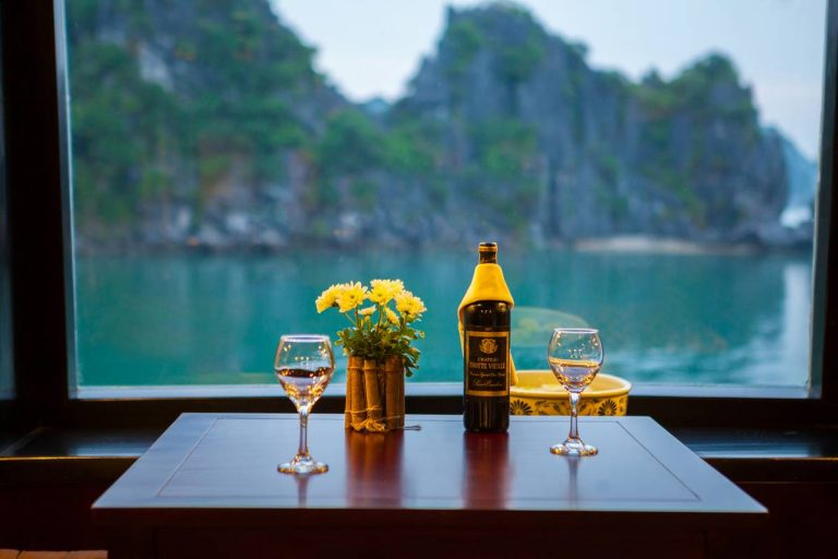 Halong Bay Luxury Cruise Service – Dragon Legend