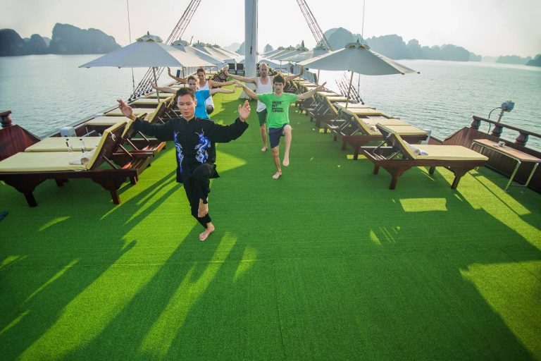 Halong Bay Luxury Cruise Sundesk – Dragon Legend