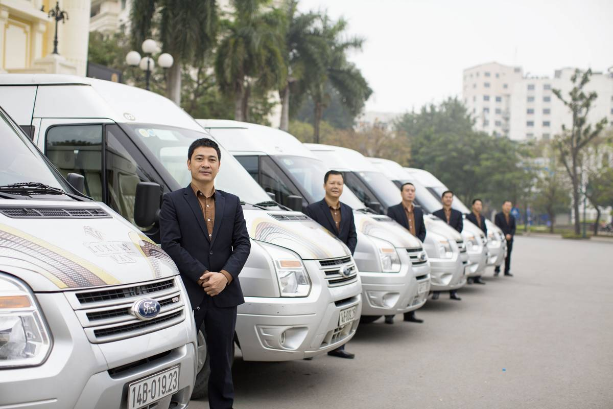 Luxury van transfer for Dragon Legend cruise